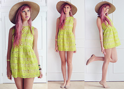 Amy Valentine - Persun Neon Flower Dress, Mums Sun Hat, Carvela Nude Shoes, Oasap Gold Bangle - VALLEY OF THE DOLLS