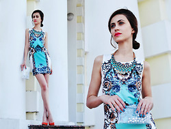 Tina Sizonova - Sheinside Dress, Zara Heels - The Painted dress.