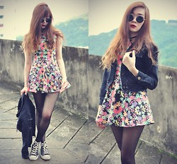Tess Lively - Chic Wish Floral Dress, Choies Retro Sunglasses - You make me want to fall in love