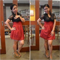 JenJacqs Agbon - Montego Bay Club Wedge Sandals - Black and Red at BYS Bloggers Meetup