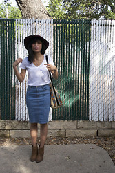 Katrina M. - Dolce Vita Booties, H&M Pencil Skirt, Everlane V Neck, Thrifted Bag, H&M Hat - Publish my love
