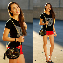 Jessica R. - Rings And Tings Wild Cat Tee, Swell Red Denim Shorts, Rings And Tings Tiger Bag, Coach Sharrin Wedges - Wild Thing, You Make My Heart Sing