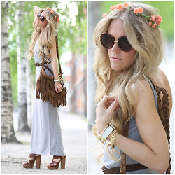 Anna Wiklund - Aztec Watch, Boohoo Diy Maxi Dress, French Connection Uk Wooden Heels - FESTIVAL BOOHOO CHIC