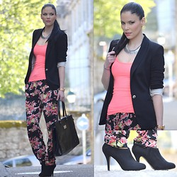 Paula Deiros - Pull & Bear Necklace, C&A T Shirt, Zara Blazer, C&A Pants, Mango Bag, Pull & Bear Booties - Flowered Pants and Neon