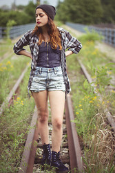 Alexis Nigro - Arizona Blue Velvet Combat Boots, Forever 21 Acid Wash High Waisted Shorts, Full Tilt Zippered Acid Wash Bustier, Derek Heart Flannel, Vans Gray Beanie - Velvet Summers