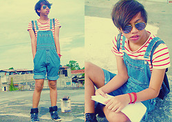 Dyosa Urquia - Thrift Store Usa Flag Aviator Sunglasses, Gap Dungaree - Bib-and-brace