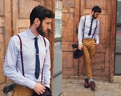Adrian Cano - Spadari Shirt, Carrot Trousers, Suspenders, Burgundy Brogues, Light Blue Socks, Purple Hat - Boderline