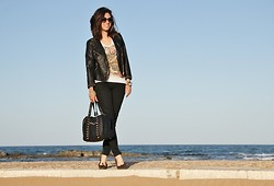 Miriam V -  - Rock Diva with a touch of Animalier