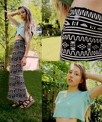 Katherine B - Element Printed Maxi Skirt, Thrifted Diy Crop Top, Cooperative Platform Sandal - Mint + print