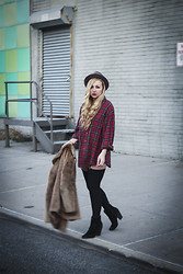Nicole Alyse - Garter Leggings, Vintage Flannel, Nine West Black Boots, Vintage Coat, Vintage Hat - Trying out garter leggings