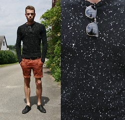 Tilman Schaknat - Ray Ban Sunglasses, Zara Pants - Snowfall in summer
