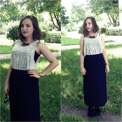 Marta O - Vintage Maxi Skirt, Topshop Grey Top - Meltdown of Sanctity