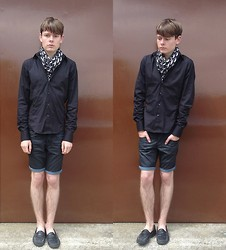 Toni Bishop - Vintage Scarf, Zara Shirt, Cheap Monday Shorts, Not Mine Shoes - All Black Everything Pt. II