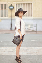 Valentine Hello - H&M New Icons Hat, Whistles Jumper, Céline Nano Luggage Bag, Zara Heels - You Can Leave Your Hat On
