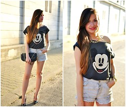 Magdalena S - Sinsay T Shirt, Pull & Bear Shorts, Mart Of China Shoes - Mickey Mouse T-shirt