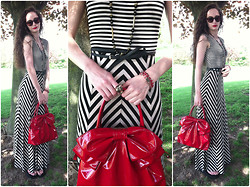 Pauline - Calvin Klein Maxi Dress, Valentino Bag, Lacoste Sunglasses, Forever 21 Ring - Maxi Mix up (on my blog)