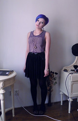 Koraline M - H&M Joy Division T Shirt, Second Hand Skirt, Loafers - Unknown pleasures