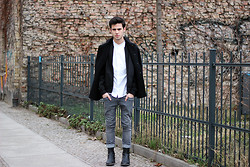 Thibaud G. - Cos Leather Boots, Cheap Monday Jeans, Weekday Shirt, Asos Bomber, Apostrophe Wool Jacket - It's alright