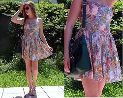 Julia C. - Vintage Dress, Bag, Shoes - End of time