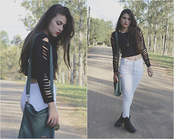Débora Rabelo - Cropped Top Diy, Ramarim Cothurnus - Black and white classic