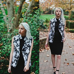 Alexia Bambi - Untitled Label Floral Vest - Where I'll be waiting