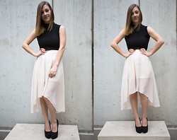 Sabrina N. - Nelly Highheels, Nelly.De Top, Nelly.De Skirt - Brass knuckles chick
