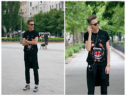 Chaby H. - Rottweiler Printed T Shirt, Casio Gold Watch, Zara Black Trousers, Nike Airmax - Summer in black