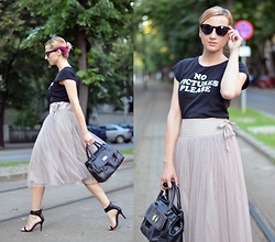 Miha Teicu - Skirt, Thrifted Shirt, Bag, Zara Sandals - No pictures please