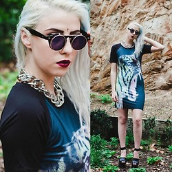 Alexia Bambi - Untitled Label Tiger Dress, Untitled Label Glasses - You've got me in the undertow