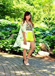 Aprelle K - Forever 21 Shorts, Marc Fisher Sandals - Floral Mix