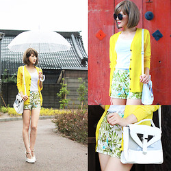 Mumu A - Yellow Cardigan, Resort Pattern Shorts, Clear Shoulder Bag, Family Mart Umbrella, Sly High Heel Sandals - Yellow typhoon