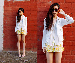 Jenny Ong - Lovers + Friends Floral Shorts, Frontrowshop Super Duper Sunglasses - Going floral