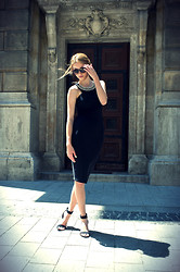 Vivienn Nagy - Zara Dress, Bershka Heels - Golden Floor