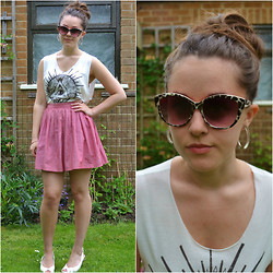 Sally W. - American Apparel Red Skirt, Primark Cat Eye Sunglasses, Illustrated People Triangle Eye Crop Top - Tr-eye-angle