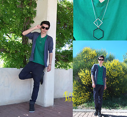 Alex Robles - Ray Ban Wayfarer, Pull & Bear Striped Cardigan, H&M T Shirt, H&M Geometric Necklace, Pull & Bear Carrot Fit Pants, Pul & Bear Sneakers Mid Top - Last Day of Spring