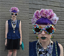 Zoe S. - Girl With The Flower Headband, Girl With The Flower Kawaii Junk Sunglasses - Bling Bling