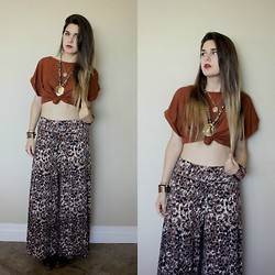 Lexi L - Second Hand Burnt Orange Top, Second Hand Printed Palazzo Pants, Vintage Egyptian Cat Necklace - The Sun Goes All Around