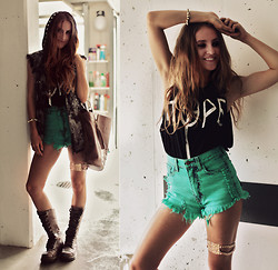 Jessica Christ - 2020ave Hope Muscle Tee, 2020ave Open Pocket Flap Colored Shorts, Backstage Necklace, Hot Heart Denim Vest, Jessica Christ For Fab.Nl Bag, Dr. Martens Triumph 1914 W Boot - HOPE.