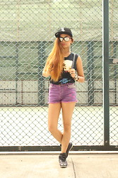 Paula Eliana - Eagles Diy Shirt, Pull & Bear High Waist Studded Short, Adidas Sneakers, Forever 21 Accessories - Do it like a dude!