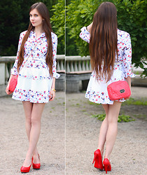 Ariadna Majewska - Udobuy Retro Floral Long Sleeved Dress, Romwe Coral Bag With Gold Chain, Toria Blanic Red Leather Heels - Floral dress