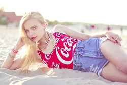 Cathy Gładysz - No Name Swimsuit, Sh Denim Shorts - Coca Cola