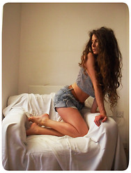 Megan Van de - Vintage Boy Jean Shorts - Soft Focus.