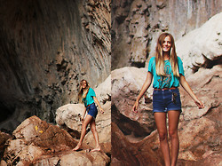 Heather Bybee - Target Teal And Gold Henna Hand V Neck, Forever 21 Turquoise Belt, Thrifted/Handmade High Wasted Shorts - Arizona