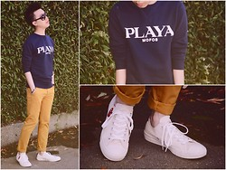 Julian Chan - Asos Sweatshirt, Topman Chinos, Comme Des Garçons Sneakers, Gucci Sunglasses, Agnès B. Watch, Banana Republic Bracelet - The Wall