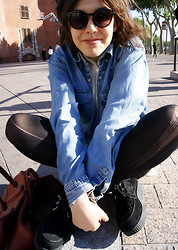 Valentina Camejo - Forever 21 Shirt Asymmetrical, Levi's® Old Demin Shirt, Creepers Double, H&M Sunglasses - Perpignan, je t'aime.