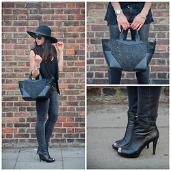 Bridg @ CalibratedChronicles.blogspot.com - Bracher Emden Structured Tote, D:Fuse Peep Toe Booties, H&M Oversized Brimmed Hat, Uniqlo Jeans - The structured tote