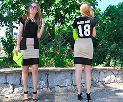 Coco Bolinho - Frontrowshop Mesh Skirt, Frontrowshop Tee, Firmoo Sunglasses, Rings And Tings Bracelets - Front Row 18