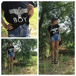 Alice F - Boy London T Shirt, Korkease Shoes, Levi's® Vintage Shorts - Leavetheboyalone!
