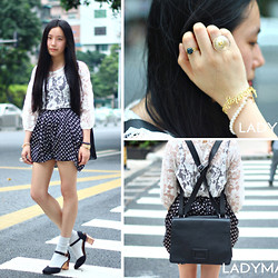 Yan Chen -  - Look of a fashion editor?