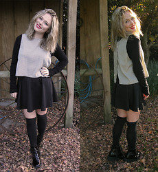Samantha McLean - Kneehigh, Glassons Crop, Skater/Circle Skirt, Luichiny Boots - Knee Highs and a Crop
